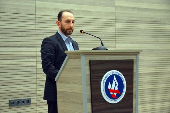 Kırıkkale Üniversitesi Sosyal Bilimler Enstitüsü ile İlMilli Eğitim Müdürlüğüarasında imzalan protokol çerçevesinde tezsiz yüksek lisans programına katılan 68 idareci ve öğretmen mezuniyet belgelerini aldı.